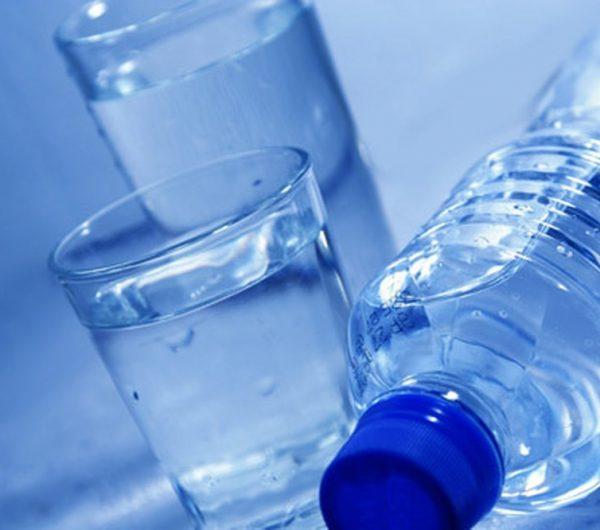 Dùng nước uống đóng bình có thật sự tốt cho sức khỏe ? - ảnh 2
