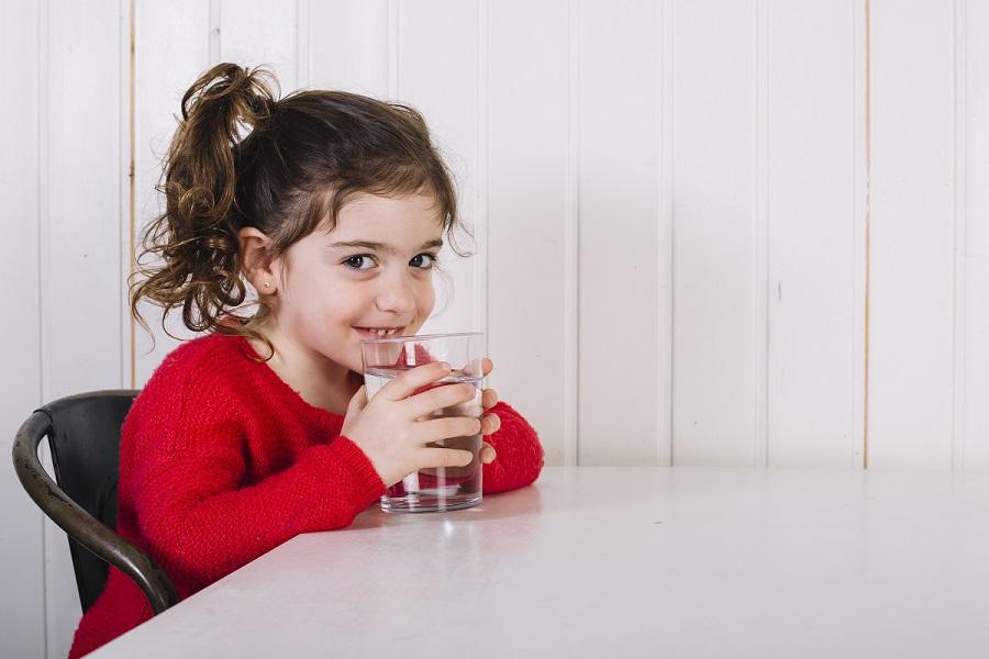 Tìm hiểu các công dụng tuyệt vời của nước tinh khiết - ảnh 1